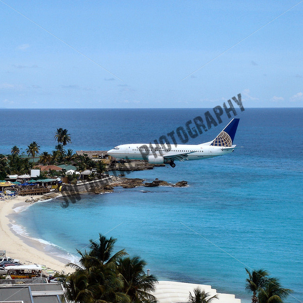 Continental Airlines coming in for Landing - JW Digital Photography