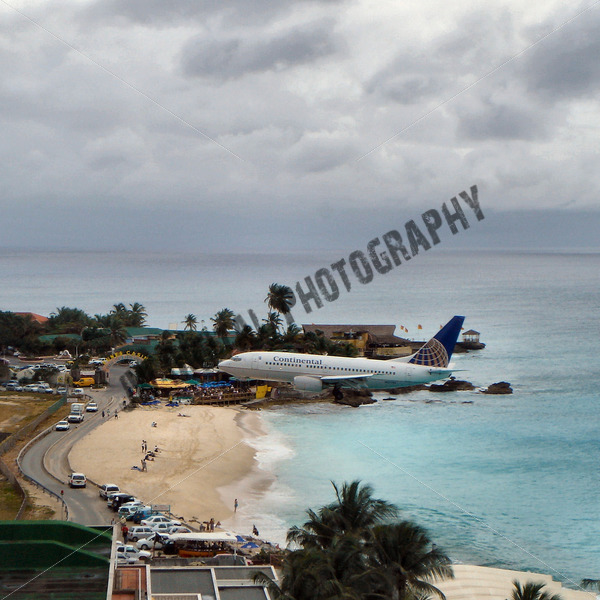Continental Airlines over the Beach - JW Digital Photography