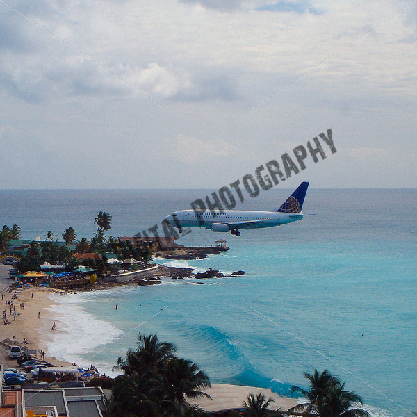 Continental Airlines over the water - JW Digital Photography
