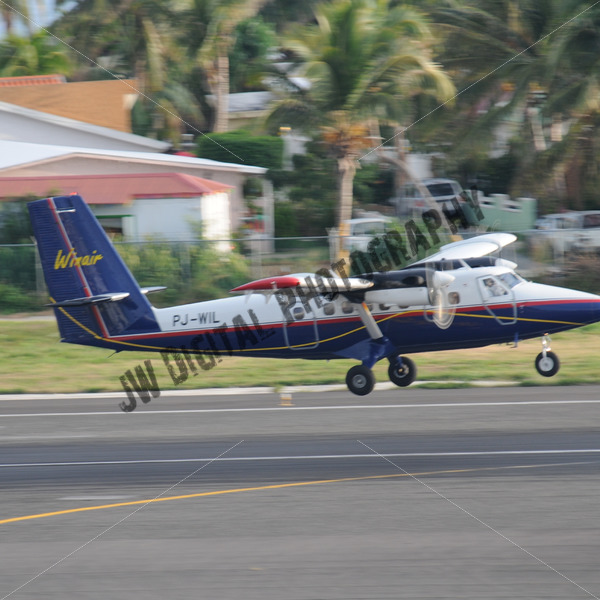 Winair about to touch down - JW Digital Photography